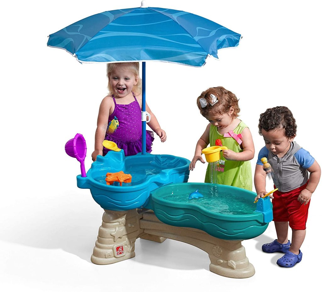 Step2 Water Table With Umbrella and 11-Pc Accessory Set